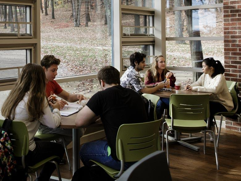 Students in the Highacres Cafe