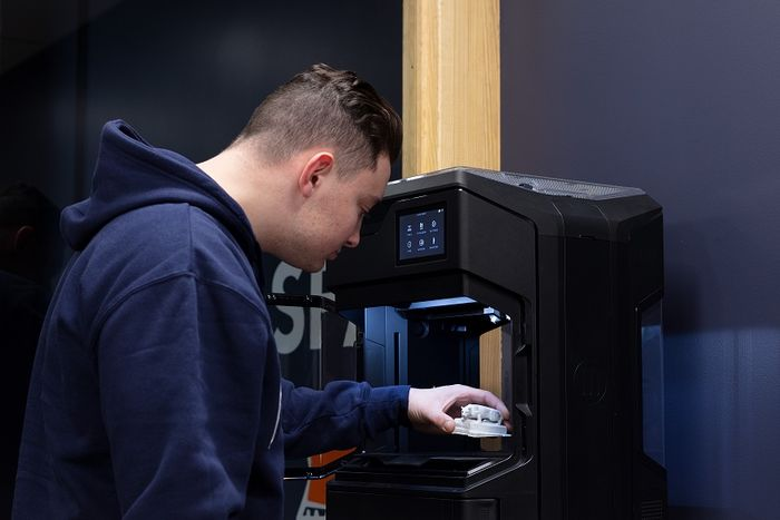 Student uses 3D printing technology to make Nittany Lion statue